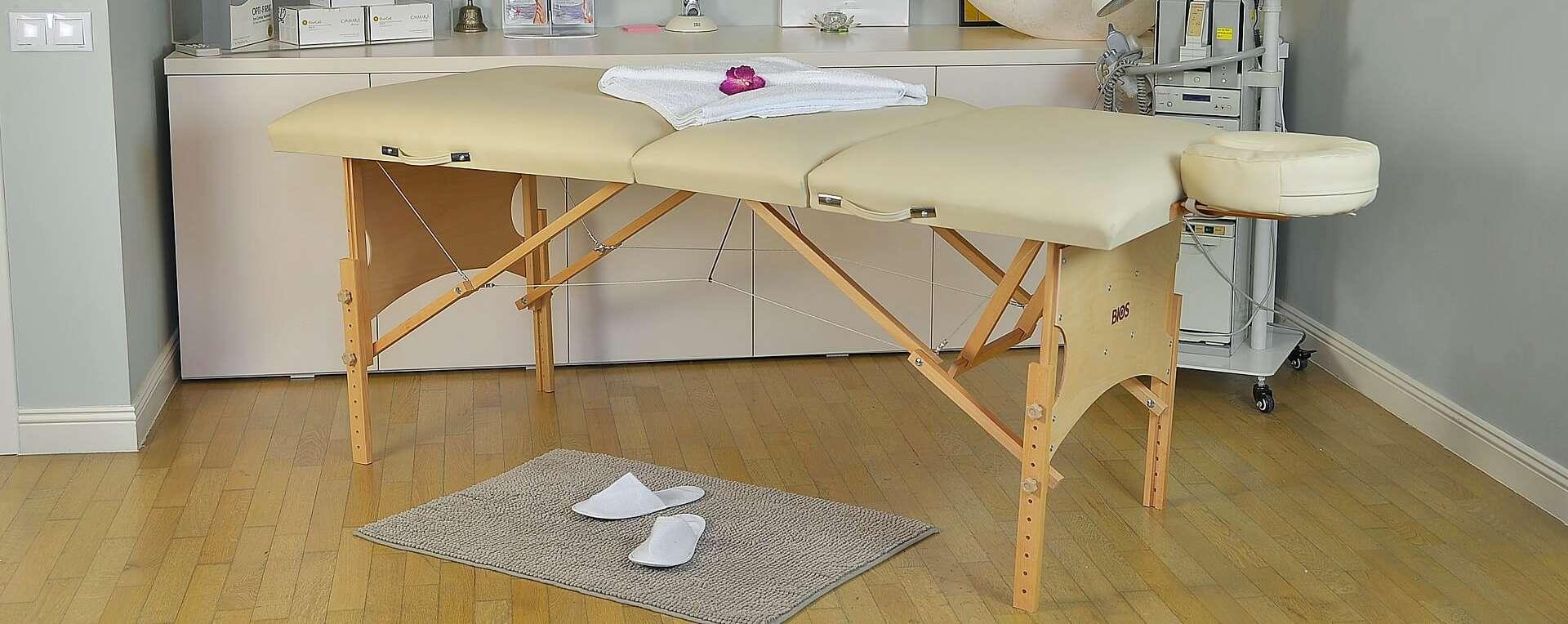 Masa de masaj portabila, trei sectiuni, model Confort